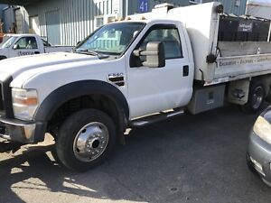 2009 Ford F550 Diesel w/ dump box. Only 75,000 kms!