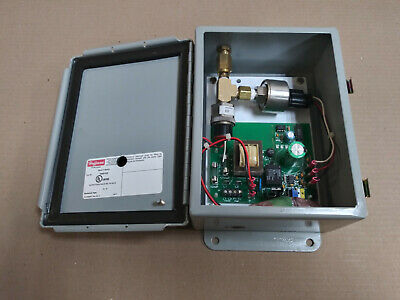New Takeout Hoffman A806chqr Enclosure With P119g-3h-f52l-x30089 Pressure Switch