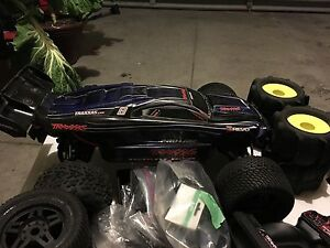 Traxxas e revo brushless with rpm/extras