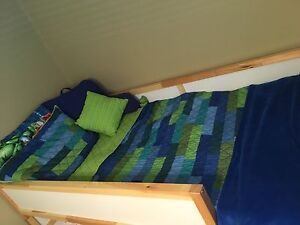 2 Twin bedding sets