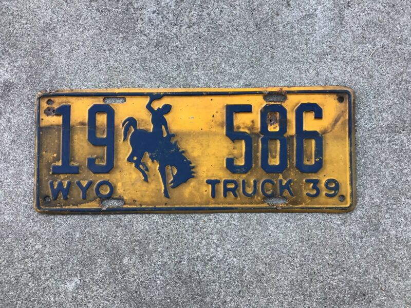 1939  WYOMING LICENSE PLATE