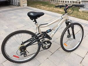 Diamond back Endeavour mountain bike- 18 inches