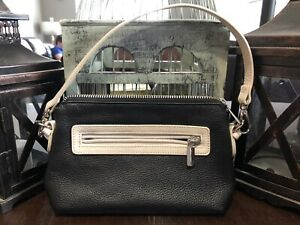 Small Danier leather purse