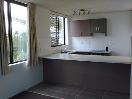 Clear Island Waters: NICE 1 BEDROOM UNIT - water included