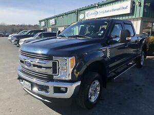 2017 Ford F-250 CLEAN CARFAX/ONE OWNER/BACKUP CAMERA/RUNNING...