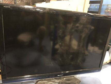 46' SHARP Color LCD TV