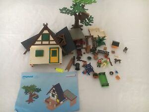 Playmobil 4207 Forest Lodge House- hard to find - Retired