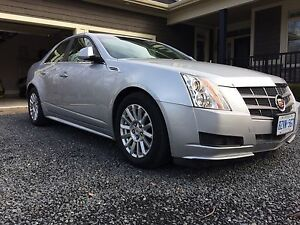 2010 Cadillac CTS 50,000km mint condition