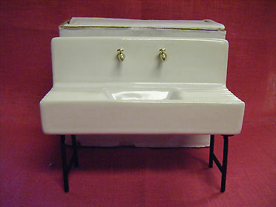 DOLLHOUSE MINIATURE FURNITURE PORCELAIN SINK WITH GOLD NEW IN BOX! 1