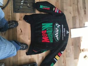 never worn  size m