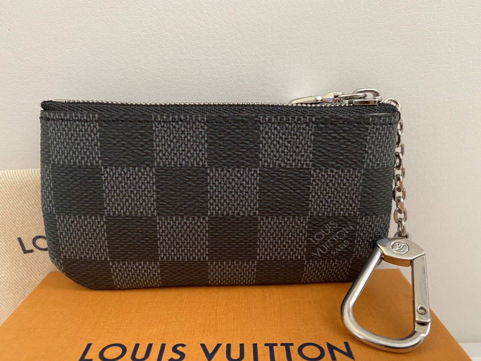 NWT LOUIS VUITTON Damier Graphite Key Cles Coin Purse with everything