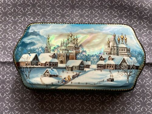 Authentic Russian lacquer box - very good condition - free shipping