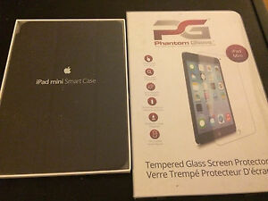 Black IPad Mini SmartCase and Tempered Glass Screen Protector