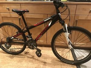 Trek MT220 children's mountain bike