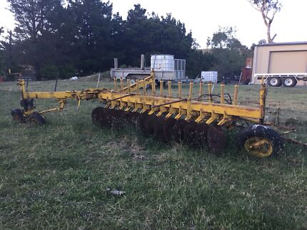 Connor Shey one way 14 disk plough