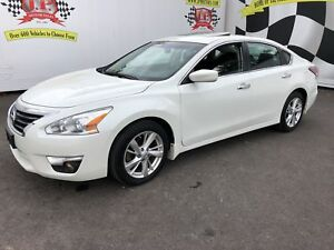 2014 Nissan Altima 2.5 SV, Auto, Sunroof, Back Up Camera, 57,000