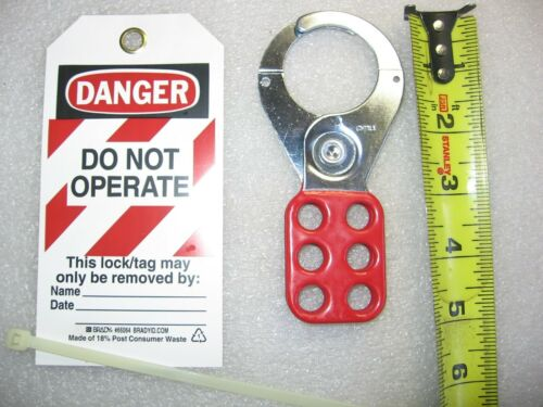 """Lot of 24)  Brady 1-1/2"""" Safety Lockout Hasps & Polyester Tagout Labels 133162"""
