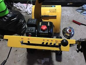 Like new snowblower 5 months old