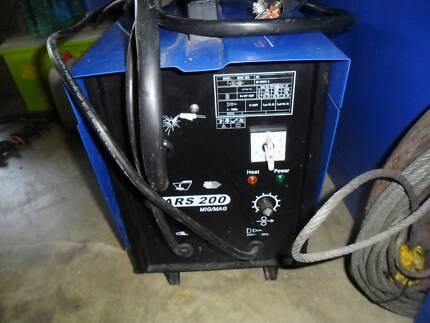 mig welder 200 amp near new