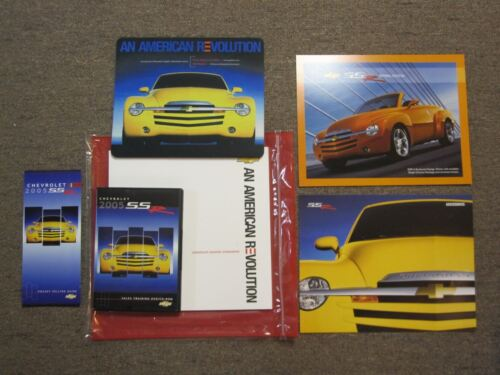 CHEVROLET SSR SHOWROOM SALES AND ADVERTISING KIT