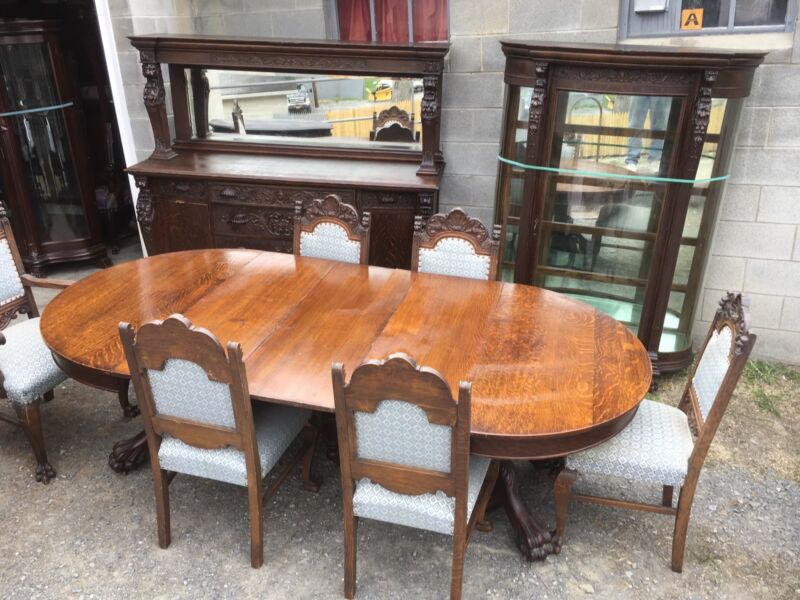 R.J. HORNER 9 PC. OAK GRIFFIN DINING ROOM SET