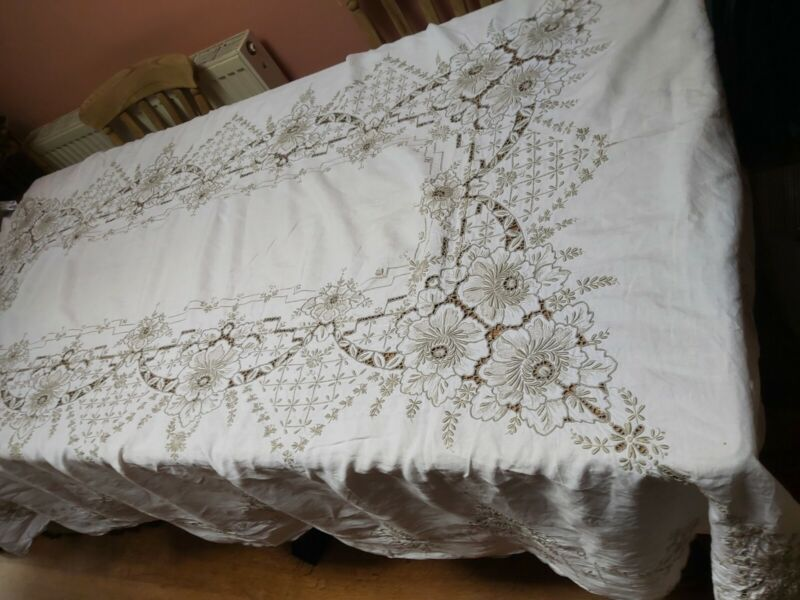 """VINTAGE TABLECLOTH HAND EMBROIDERY TAUPE LINEN HUGE BANQUET 100 X 62"""""""