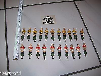22 Original alte Fröha  Figuren Fussballer Fussball Fussballmannschaft