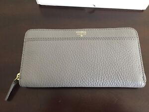 """Fossil """"Tiegan"""" Leather Wallet - NWT"""