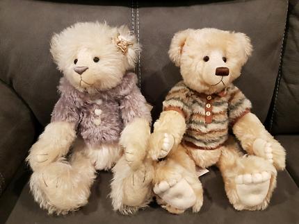 A beautiful pair of parker bears .