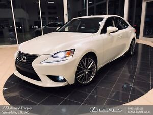 2016 Lexus IS 300 * PREMIUM * TOIT OUVRANT + CAMERA * AWD*
