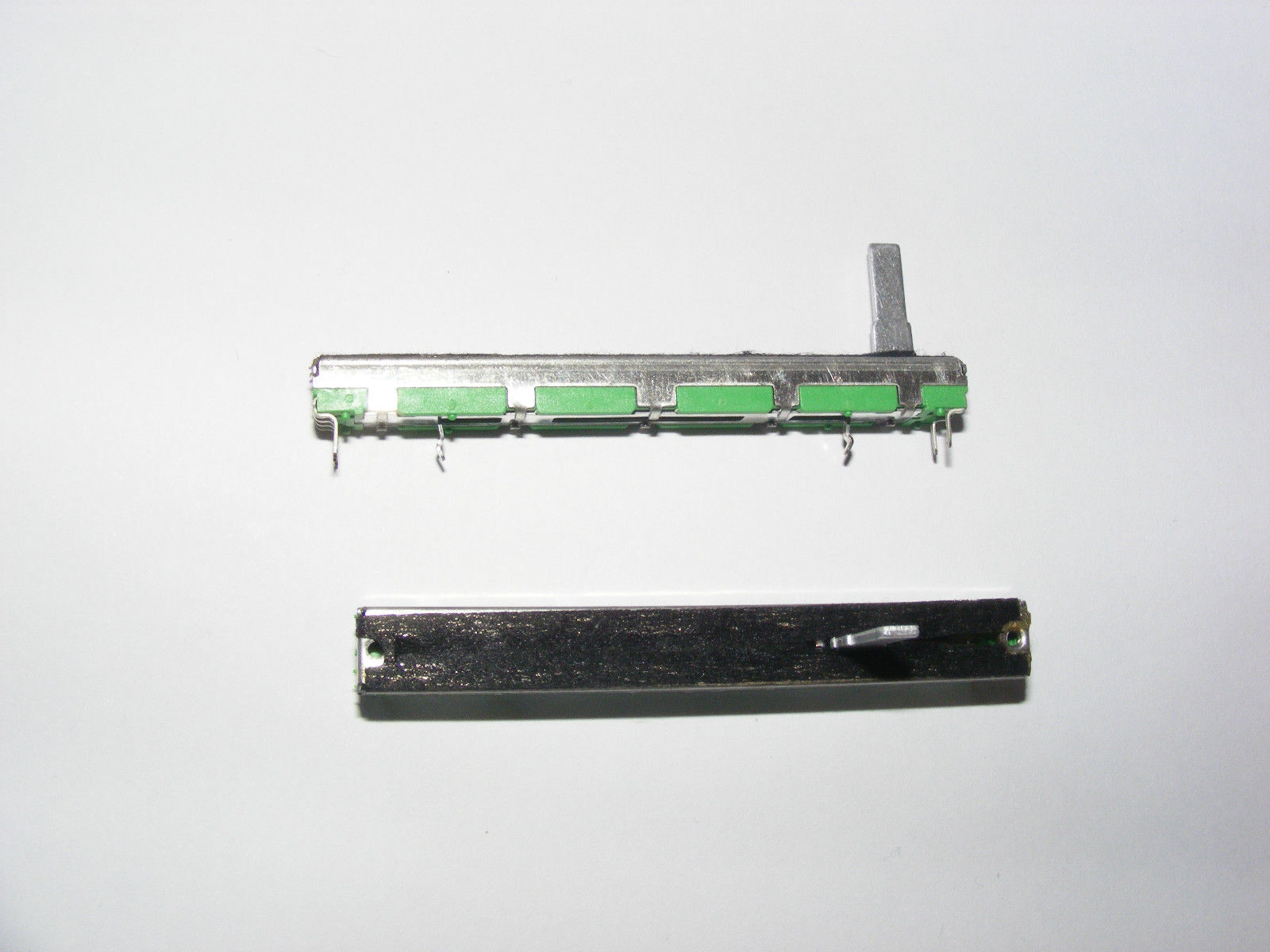 Replacement STEREO fader / slider 10k as used in Behringer/Numark/Kam etc mixers
