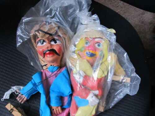 2 MEXICAN MARIONETLE STRING PUPPETS