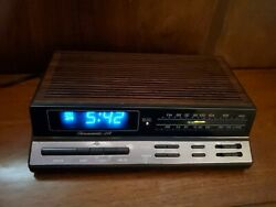 Realistic Chronomatic-268 AM/FM Alarm Clock. Wood Grain Dimmer REFURBISHED
