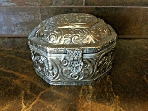 Repousse Silver Hand made hinged Octagonal Jewelry Trinket Box Velvet Line Small