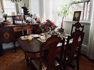 Antique Walnut Table + 5 chairs