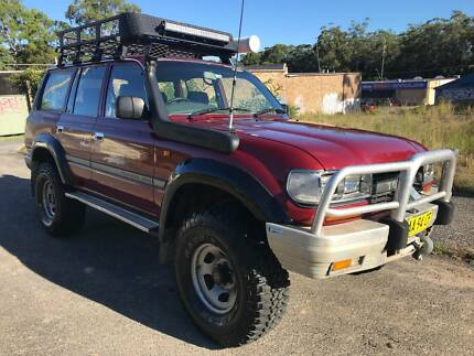 Toyota landcruiser 94 1000s spents on and selling cheap.
