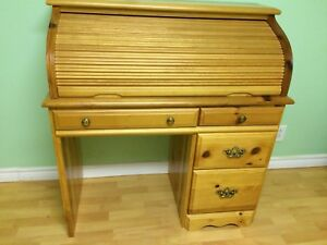 Beautiful Knotty Pine Roll Top Desk - Excellent Condition