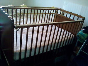 Baby crib with matress and matress cover
