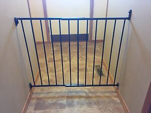 KidCo Safeway® Hardware Mount Top of Stairs Safety Gate