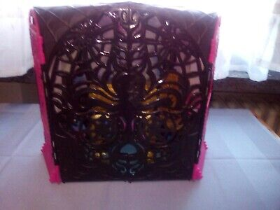 Monster high spectra Party  Launge