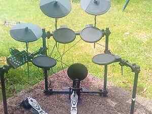 8 piece electric drum kit. Seven Hills Blacktown Area Preview
