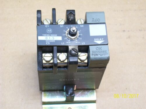 ALLEN-BRADLEY SOLID STATE TIMING RELAY , 852S-NSA (chipped fin)