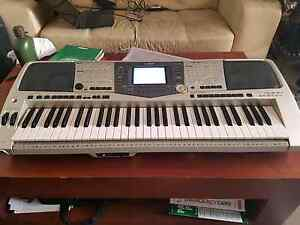 ***SOLD*** Yamaha PSR2000 Electric Keyboard (with stand) Maroubra Eastern Suburbs Preview