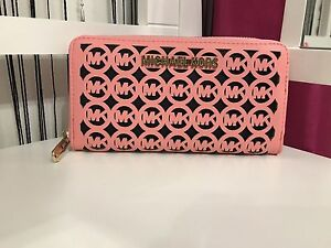 NEW CORAL WALLET ~ $20