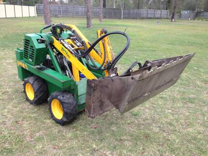 Kanga G524 with GP bucket and spreader bar For Sale Munruben Logan Area Preview