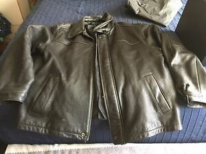 Togo Men's Leather Jacket (Large)