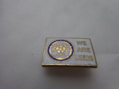 CLASSIC VINTAGE LEEDS UNITED 1980'S 'WE ARE LEEDS EMBLEM' FOOTBALL PIN BADGE