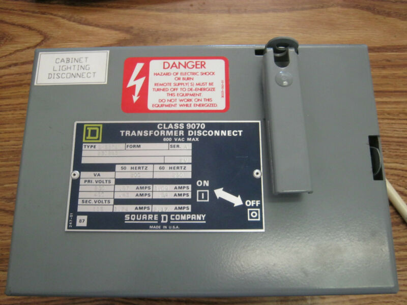 Square D Type: SK5271N,  Class 9070 Transformer Diconnect. < W1