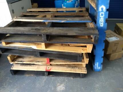 11 x Wooden Pallets Free Pickup Only