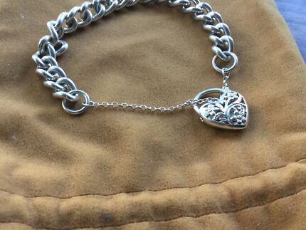 Beautiful girls heart locket solid silver bracelet WEIGHS 60g !